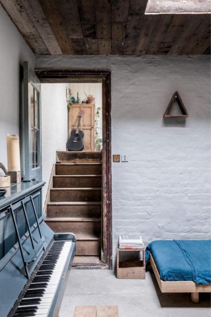Ambientes compartimentados y en desniveles conforman el plano original de la casa