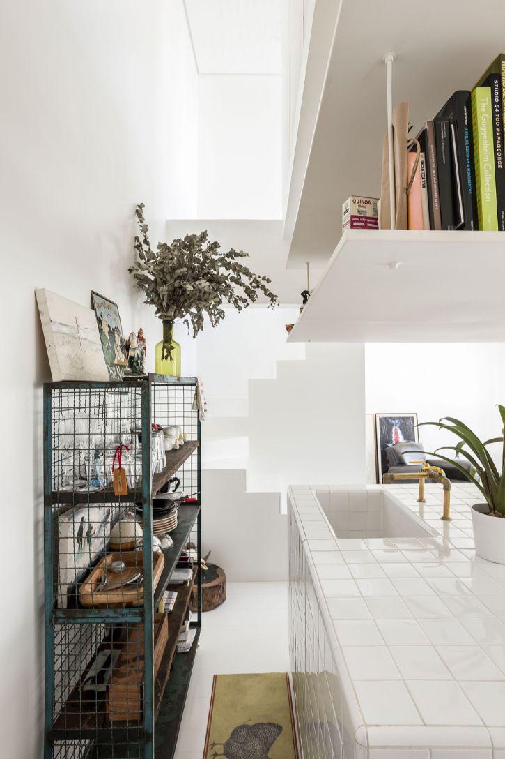 Dúplex estilo loft con decoración minimalista 2