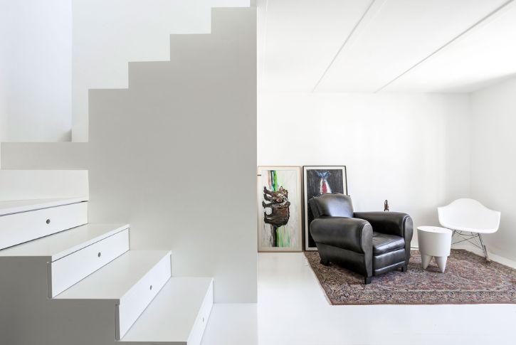 Dúplex estilo loft con decoración minimalista 3