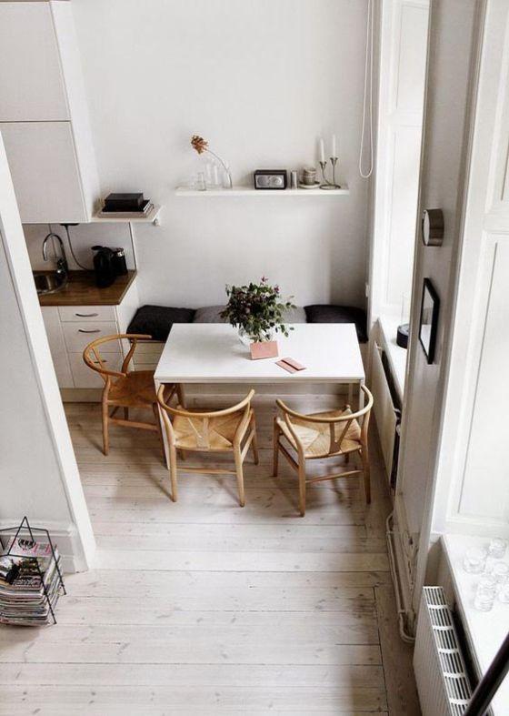Ideas para comedores pequeños: reemplazar sillas por un banco para ahorrar espacio