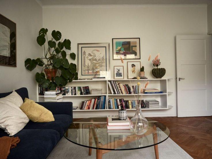 Departamento pequeño nórdico de 51 metros²: sala con buena distribución y muebles escandinavos 9