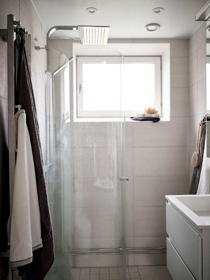 Baño sin bañera para ahorrar espacio