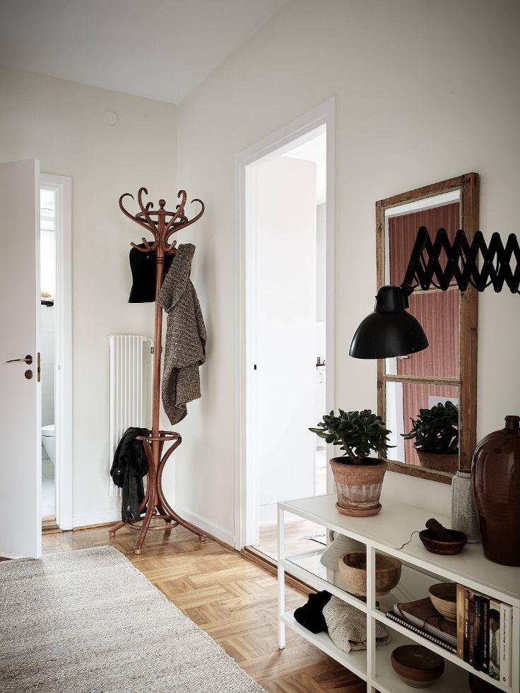 Lámparas, alfombras, espejos y percheros son accesorios ideales para decorar que no ocupan demasiado lugar