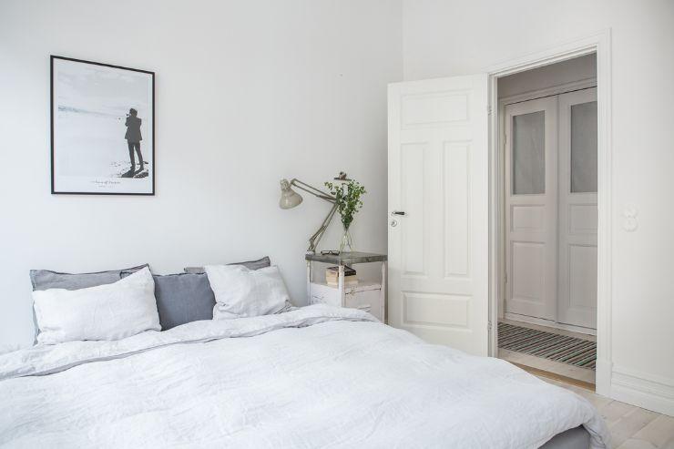 Dormitorio con decoración sencilla de líneas minimalistas