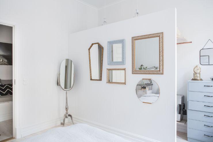 Tabique divisorio para crear un espacio separado para el vestidor o clóset