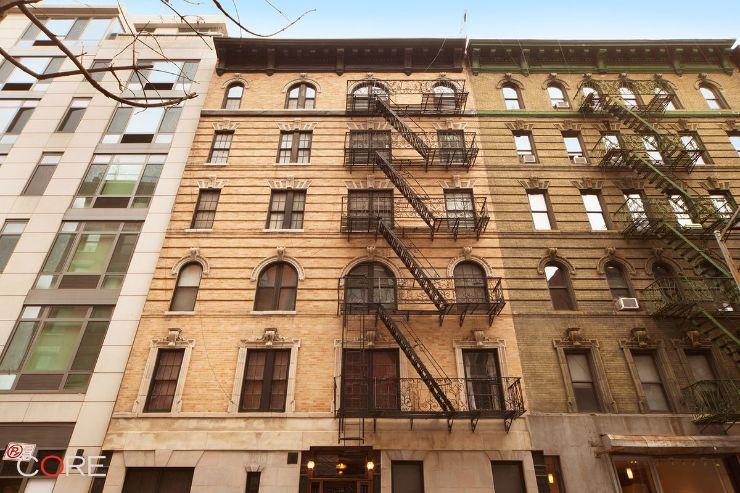 Fachada del edificio de viviendas ubicado en el Soho de Manhattan, Nueva York