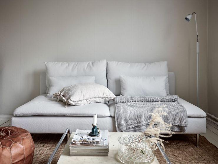 Un sofá sin apoyabrazos es ideal para ambientaciones minimalistas y ambientes pequeños ya que ocupan menos espacio visulamente