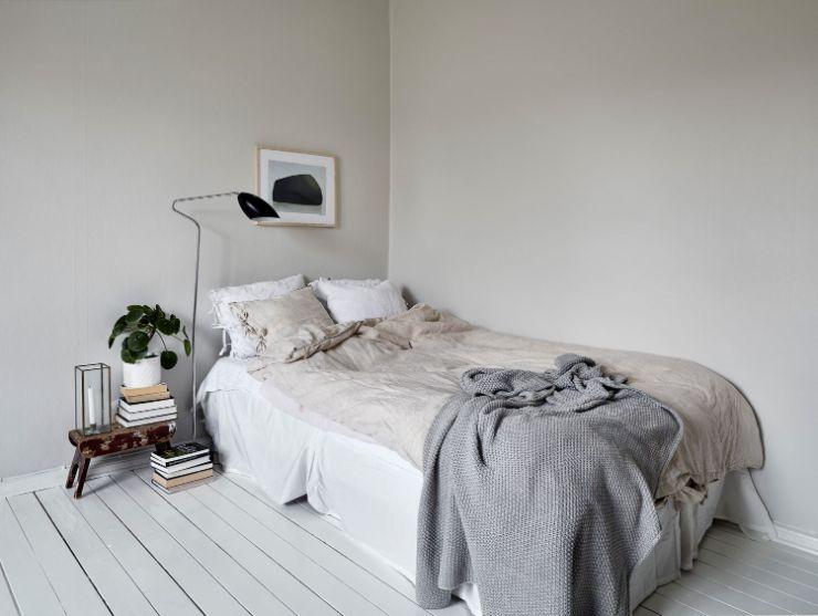 Espacio para el dormitorio dentro del ambiente principal, en la pared opuesta a la sala