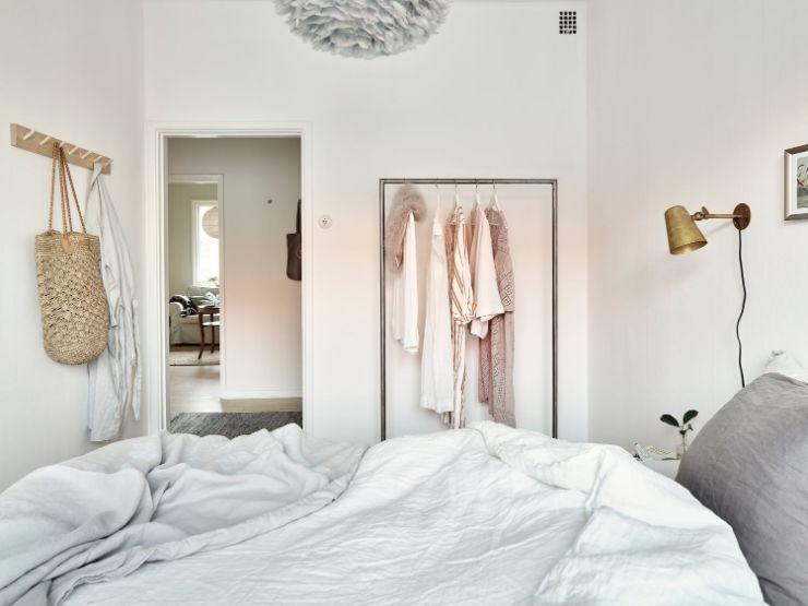 Diseño de la habitación pequeña minimalista